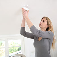 Changing the smoke detector